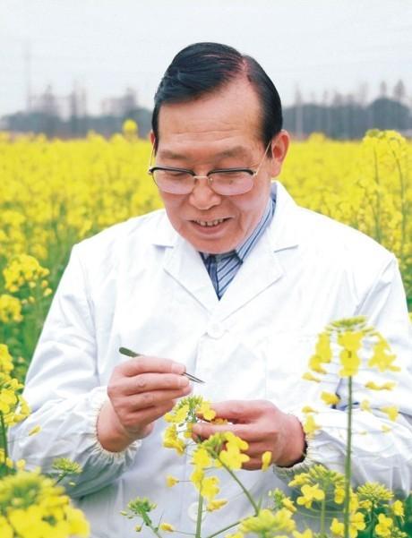 中国工程院院士、全国教学名师官春云教授
